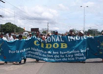 El gobierno viola los derechos constitucionales indígenas