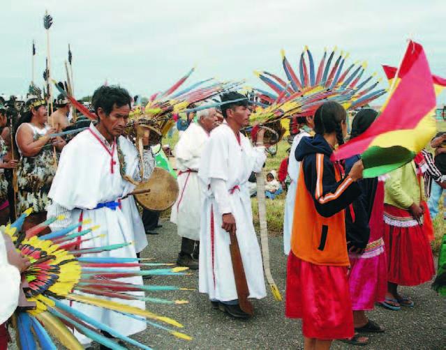 Posibilidades de desarrollo indígena basado en la gestión autónoma de sus territorios (Petropress 7, octubre 2007)