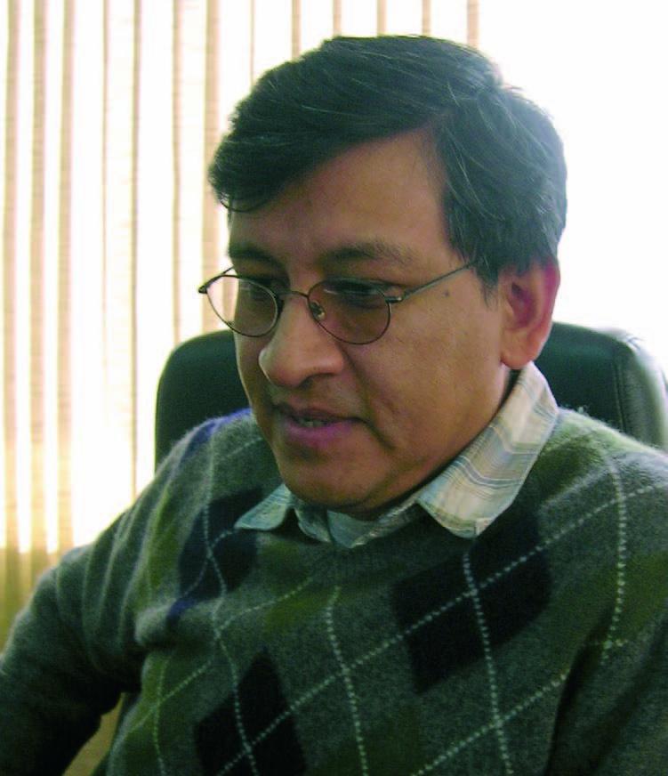 """Hugo Villarroel Senzano: """"La electricidad es derecho de todo ciudadano"""" (Petropress 6, mayo 2007)"""